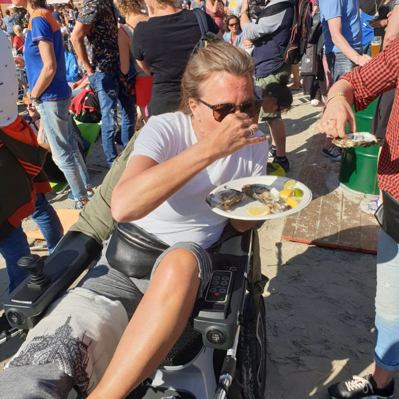 Caroline eats in Scoozy at a festival.